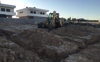 VIVIENDA D'URA | Excavación de la parcela