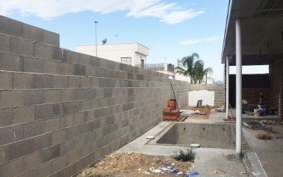 VIVIENDA D'URA | Piscina y muro perimetral II